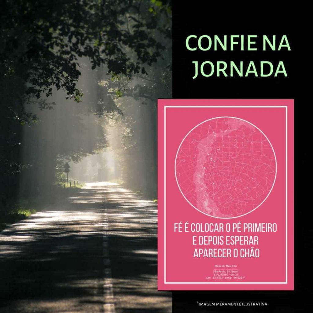imagem de uma estrada na penumbra com poster do mapa do meu ceu rosa em destaque
