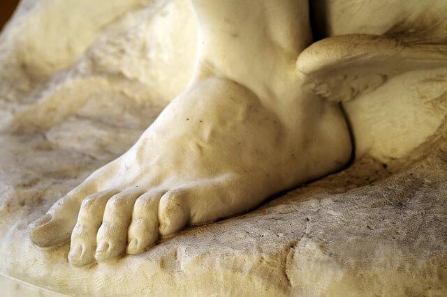 Mercurio na Mitologia Grega é Hermes - estátua grega do deus mensageiro