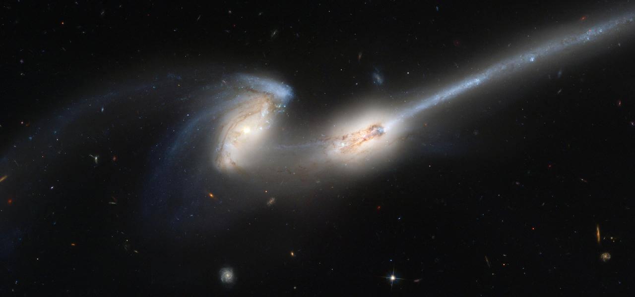 Imagens do universo - Nasa - Galáxias em colisão