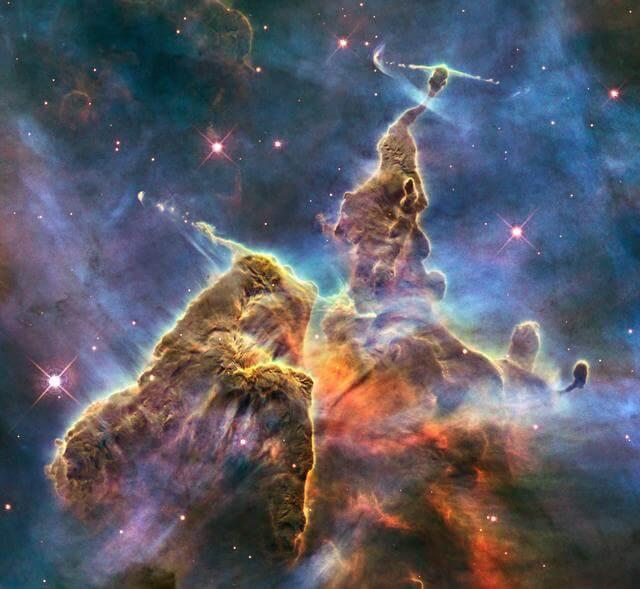 Imagens do universo - Nasa - Pilares da Criação - Nebulosa Carina
