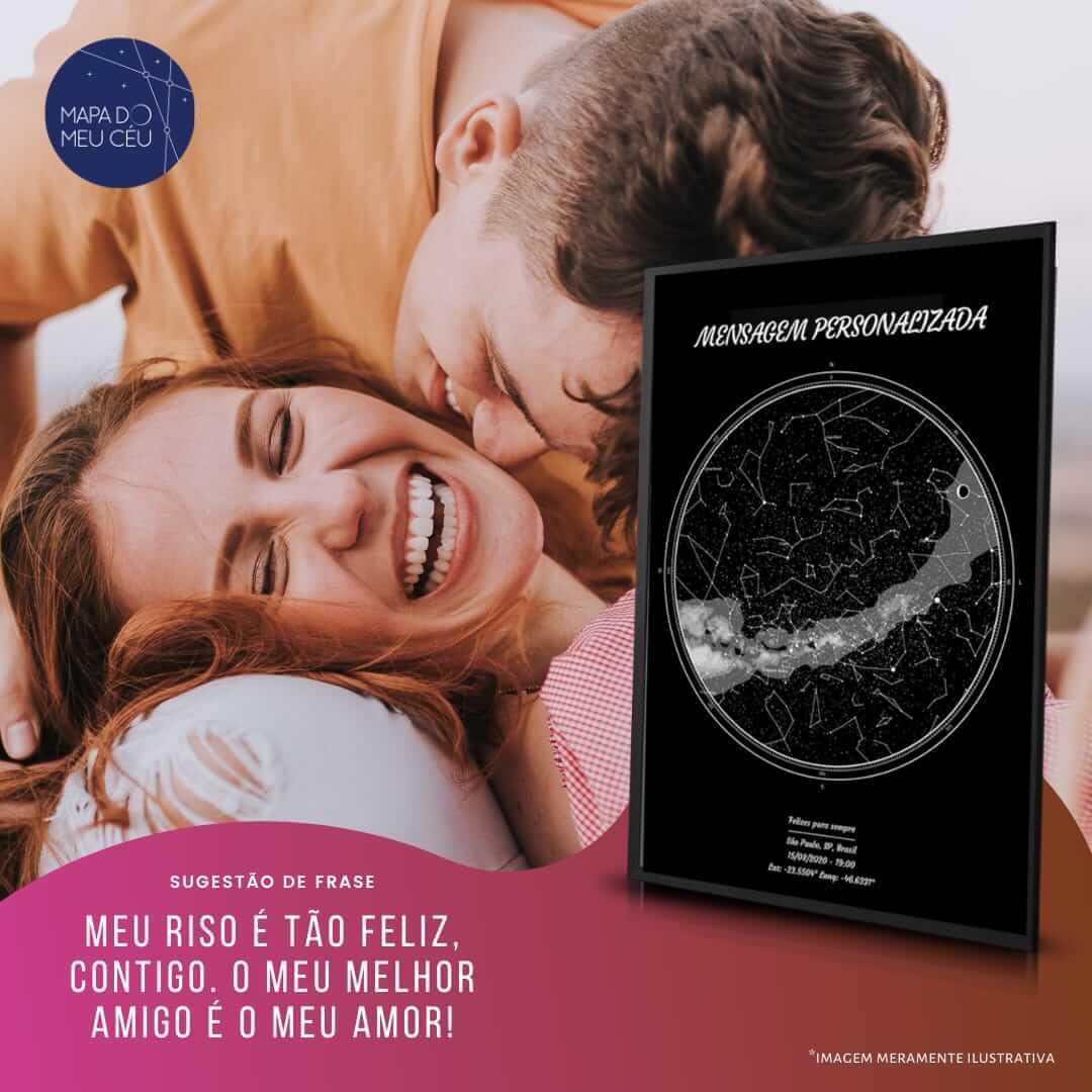 presente para namorado diferente - mapa das estrelas e ao fundo casal rindo juntos