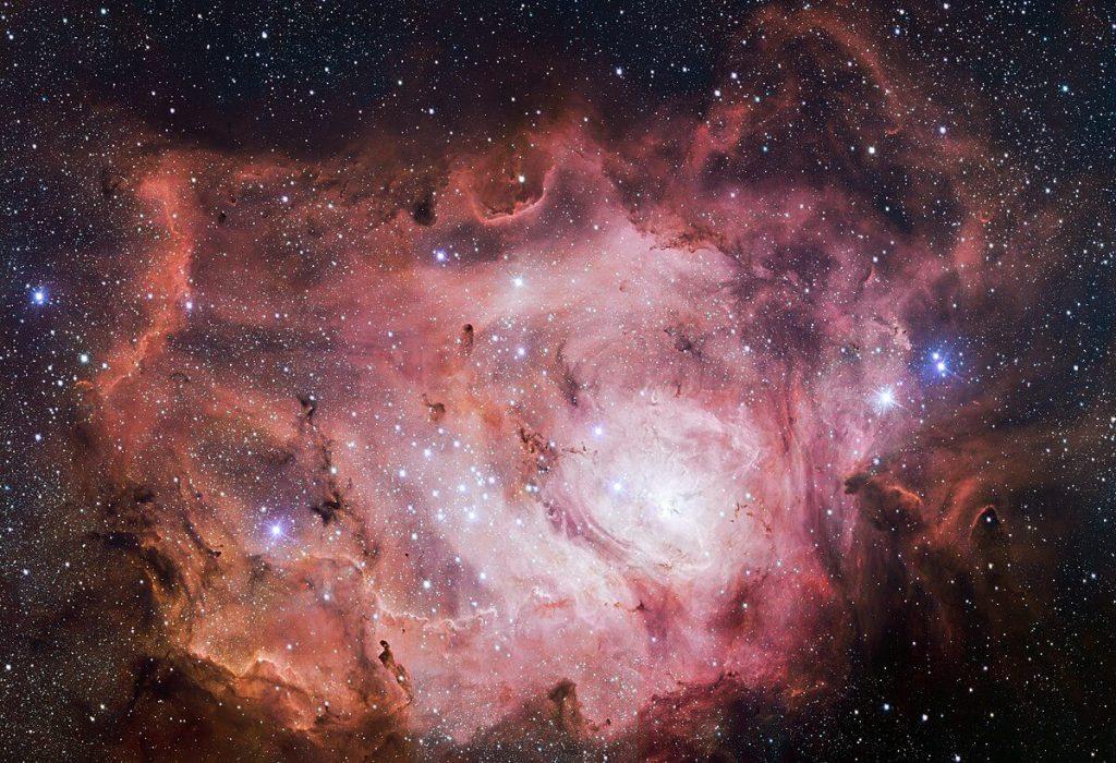 Nebulosa do Lago - M8